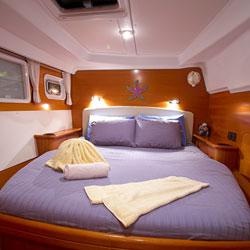 Stolz-Travel-Festiva-Segelyacht-Lagune-Katamaran-Kabine