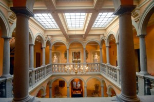 Pride-Travel-Villa-Bertagni-Lucca-Italië-hal