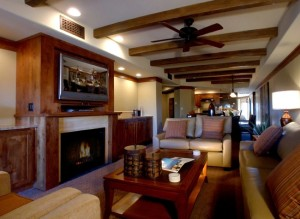 Pride-Travel-condo-Sedona-Arizona-red-rock-resort-Living-room