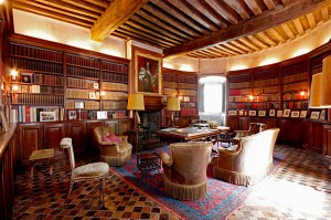 Orgulho-Travel-Chateau-de-Normandie-2-Library-estudo de sala de estar