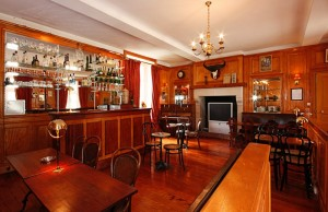 Pride-Travel-Chateau-de-Normandie-3-bar-lounge
