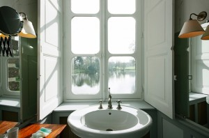 Pride-Travel-Chateau-de-Normandie-4-bath-room-bathroom-white-window