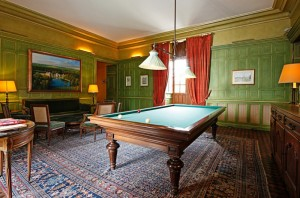 Pride-Travel-Chateau-de-Normandie-6-biljartruimte-pool-game
